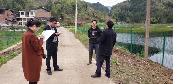 开江县总工会深入骑龙乡联